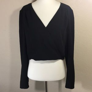 NWOT bebe Black Long Sleeve Crop Top